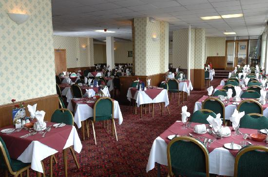 Bayshore Hotel: Full English breakfasts and four course meals