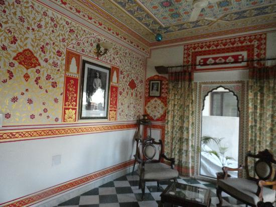 Tordi Haveli: Not Wallpaper!  All handpainted!