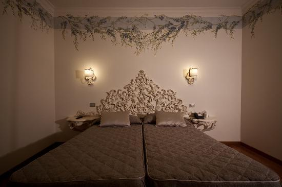 Hotel Art Atelier: twin room