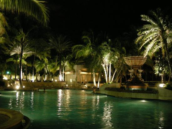 Loews Miami Beach Hotel The Pool At Night Time