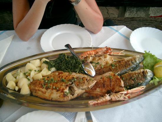 Santa Marina: Sehr schmackhafte Fischplatte