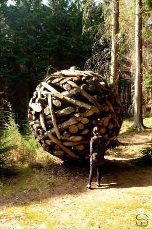 Sculptures in Woodland: Sculpture in the woods