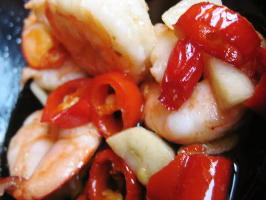 El Torero: King prawns sautéed in olive oil with chilli peppers & garlic