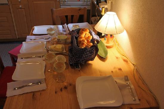 Olle & Maria's Bed and Breakfast: Table in our room. We saved a fortune by eating here most meals.