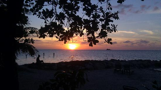 Buccaneer Beach Club: Sunset from the patio