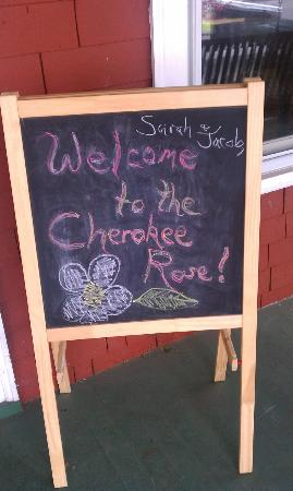 Cherokee Rose Inn: Our welcome to The Cherokee Rose