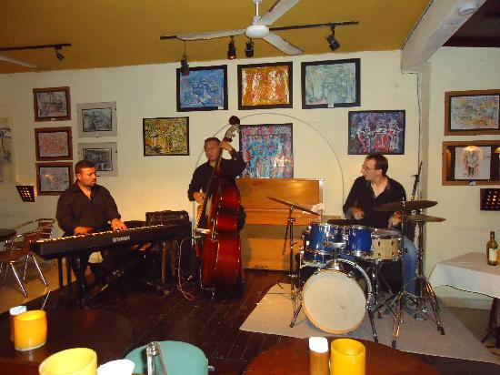 Roots Jazz Club : Superb Jazz here..