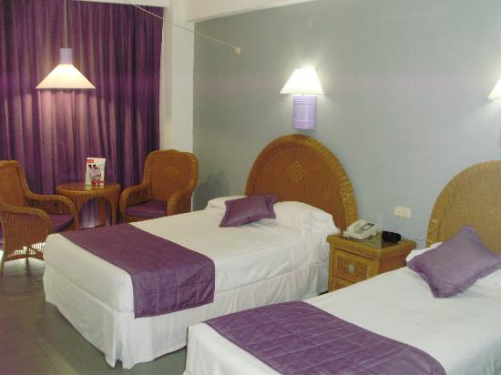 Hotel Riu Naiboa: HABITACION