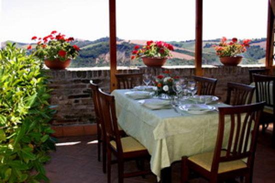 Ortezzano, Italy: veranda