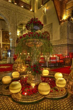 Palais Gharnata : jet d'eau