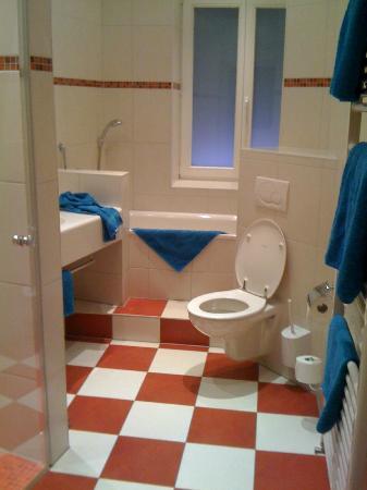 Hotel Goldene Rose : Bathroom of #11