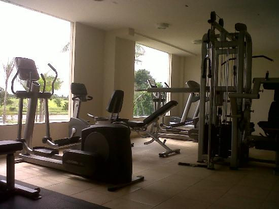 Sun Hotel: Gym (Life Fitness equipment)
