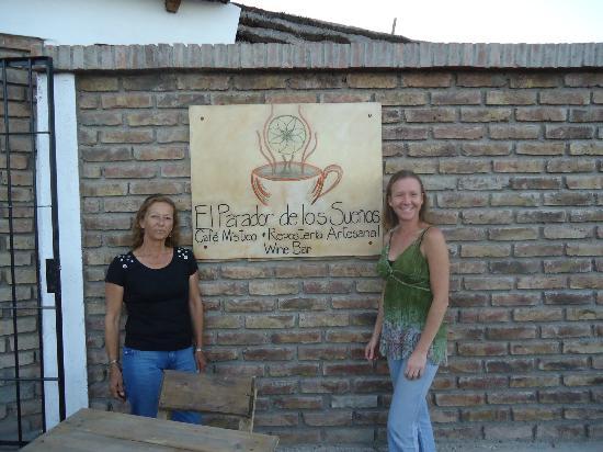"""El Parador de los Suenos - Cafe Mistico: Cristina y Elena en """"El Paradsor de los Sueños"""