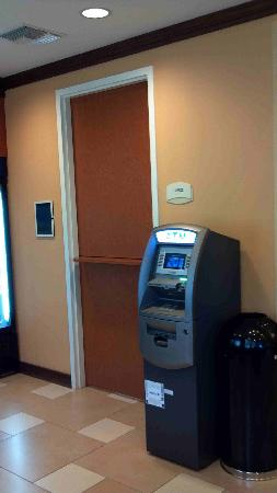 Fairfield Inn & Suites Miami Airport South: ATM