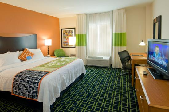 Fairfield Inn & Suites Miami Airport South: King Room