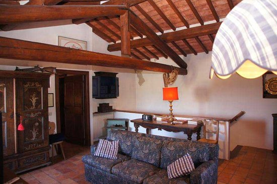 Castello di loreto todi itali foto 39 s reviews en prijsvergelijking tripadvisor - Kleedkamer voor mansard kamer ...