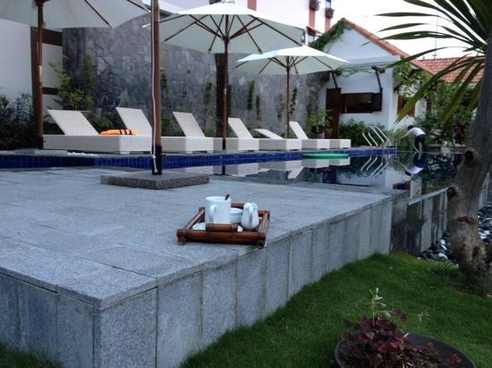 La Paloma Hotel : Kaffee am Pool