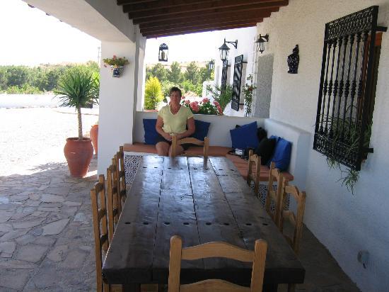 Cortijo El Ciruelo: exterior dining area