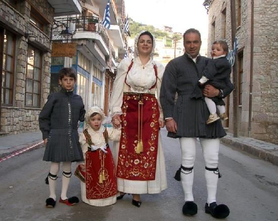 Arachova traditional customs during Easter time. Boutique Hotel SKAMNOS