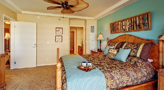 Aston at The Whaler on Kaanapali Beach: 2 Bedroom Garden View Bedroom