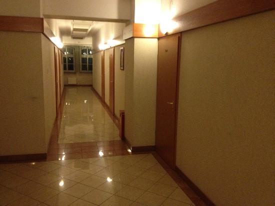 Hotel Rycerski: Korytarz - wewnętrzny