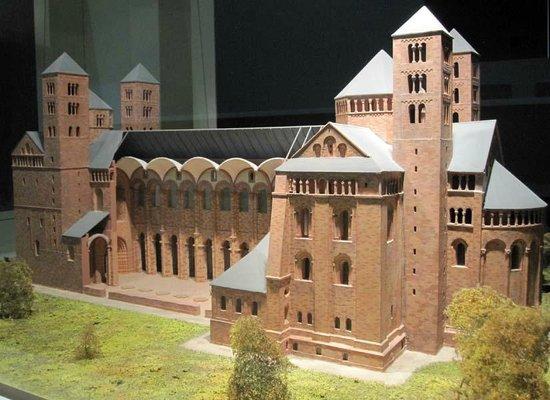 German Architecture Museum: ...
