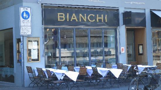 Bianchi: Restaurant de l'extéreur