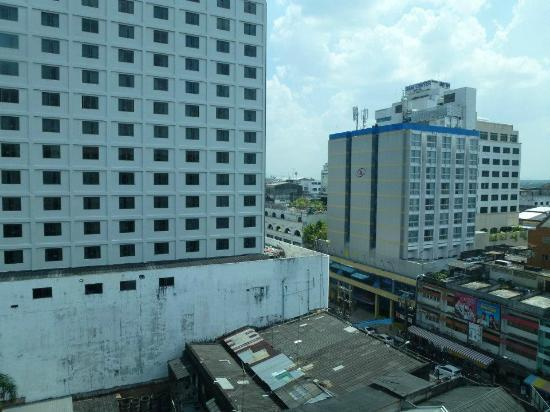 Golden Crown Plaza: View from 8th floor superior room