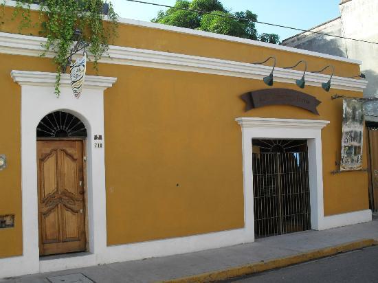 El Aljibe de San Pedro: Fachada