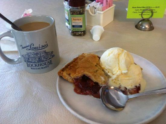 Louise's Rock House : Berry Pie a la mode and Coffee