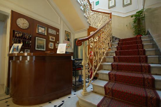 Ely Hotel : Reception