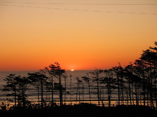 Seabrook Cottage Rentals: A beautiful WA coast sunset