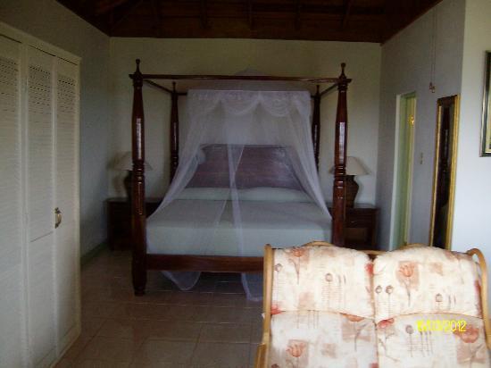 Pimento Lodge Resort : bedroom