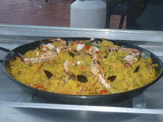 Stanza Mare : Miammm... la paëlla de fruits de mer, bonne à s'en lécher les doigts !