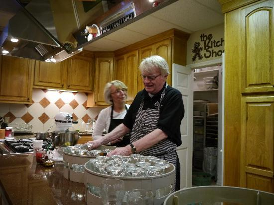 Cooking Classes at the Kitchen Shoppe - Picture of The Kitchen ...