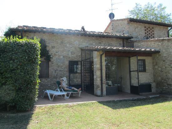 Santa Maria a Poneta: Patio area of Vico apartment