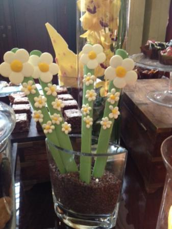 Chancery Court Hotel: Nearly everything is edible (except the piano)
