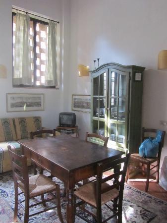 Santa Maria a Poneta: Living/dining area