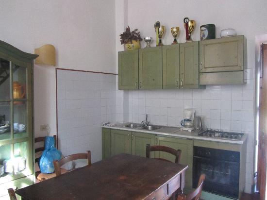 Santa Maria a Poneta: Kitchen