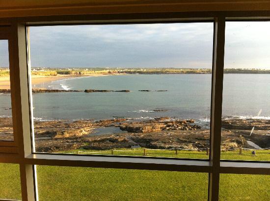 Armada Hotel : Spanish Point Beach from the room