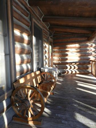 Devil's Thumb Ranch Resort & Spa: Cabin porch