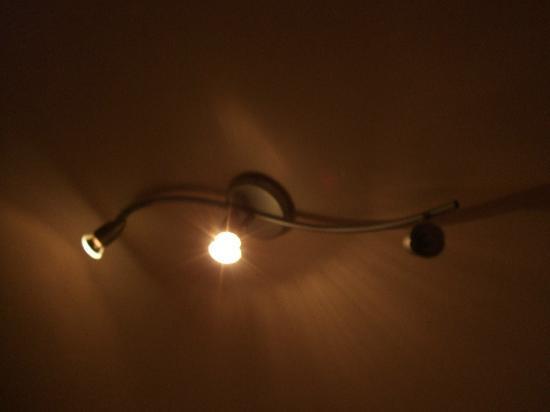 Hotel Pension Canaletto: Defekte Glühbirnen werden nicht ausgetauscht
