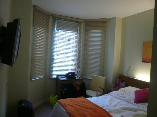 Ambassadors Bloomsbury: Single Room number 116