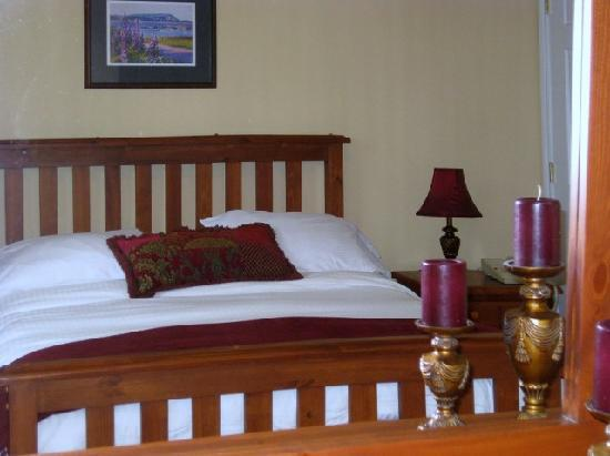 Seascape Coastal Retreat : your cottage is equipped especially for couples looking for romance and tranquility