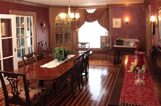 The Fox Inn Bed & Breakfast: The Fox Inn Dining Room