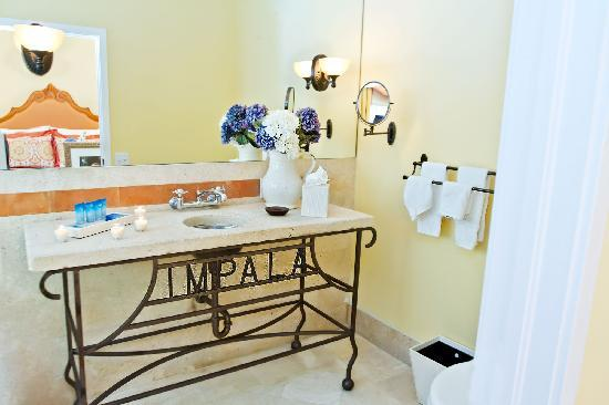 Impala Hotel: Bathroom 2