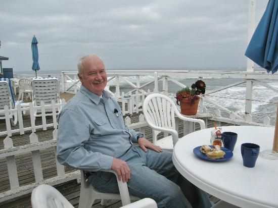 Crystal Pier Hotel & Cottages: Sunday Morning coffee