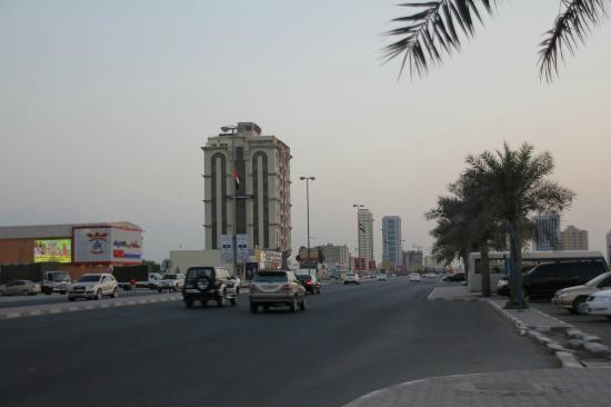 City Hotel: hotel, view from Manar mall