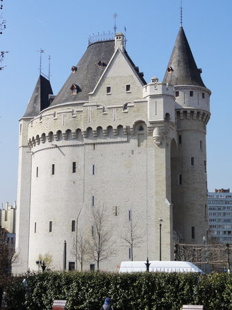 Porte de Hal, a medieval fortified city gate in Brussels, built in 1381.