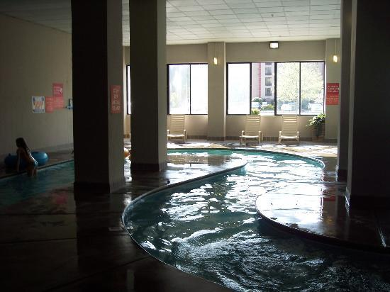 Park Tower Inn: lazy river